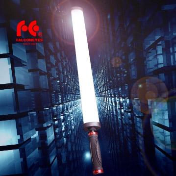 Falcon Eyes LED Leuchtstab Saber One mit integriertem Akku, 360 LEDs, CRI 95